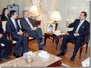 Google Chairman, Eric Schmidt, Quietly Visits Pakistan