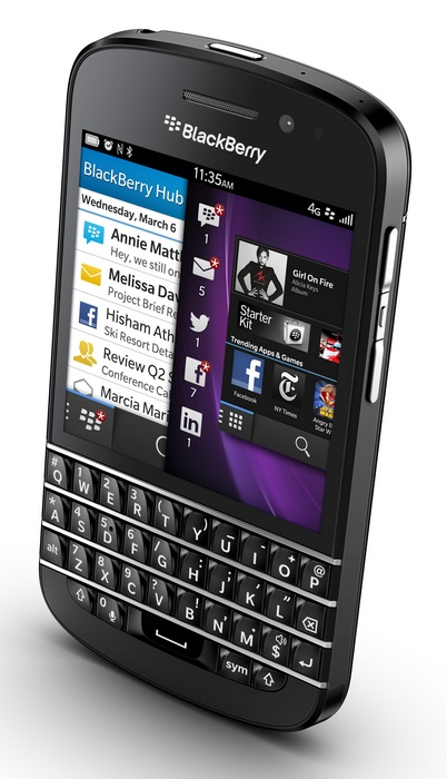BlackBerry-Q10-gets-QWERTY-Keyboard-and-3.1-inch-Super-AMOLED-black-angle