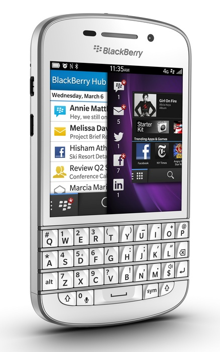 BlackBerry-Q10-gets-QWERTY-Keyboard-and-3.1-inch-Super-AMOLED-white-angle
